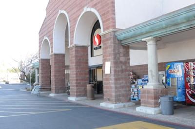 2011 Tucson Shooting Crime Scene - Photograph 435