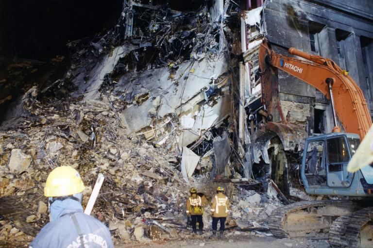 [Bild: 9-11-pentagon-exterior-1]
